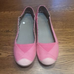 Women's preowned crocs shoes 8 $ 18.00 # 1440